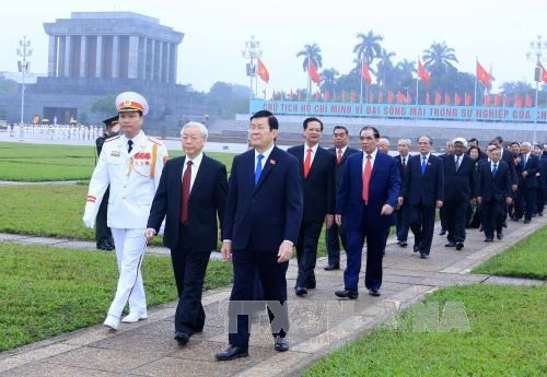 Top leaders tribute to late President Ho Chi Minh